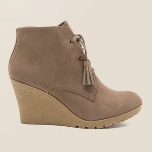 MIA - BAYLIE LACE-UP WEDGE BOOTIE